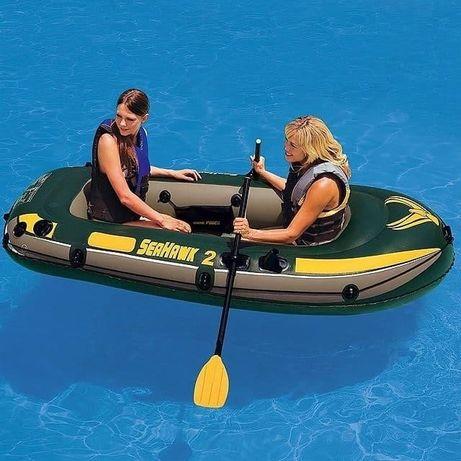 Двухместная надувная лодка Intexв наборе насос весла