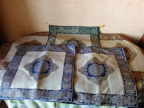 Набор декоративных чехлов на подушки