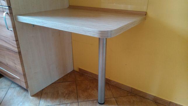 Stolik kuchenny mocowany do ściany