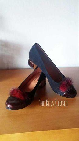 Sapatos rasos azuis escuros c/ pompom vermelho  USADOS 1x