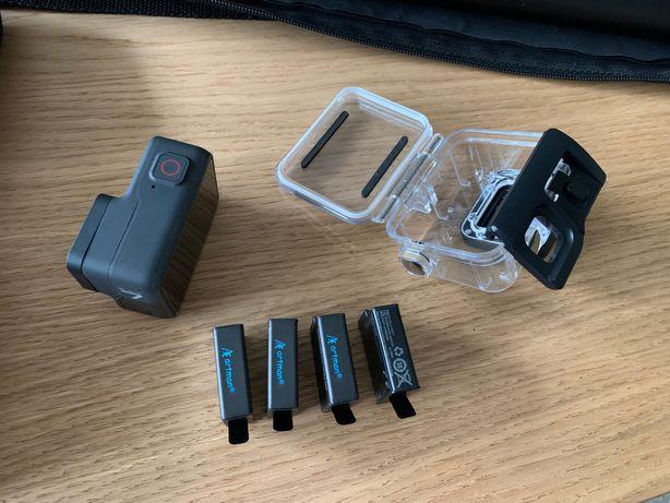 GoPro 7 black + 4 akumulatory + etui + monopod