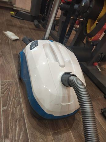Продам пылесос TOMAS Perfect Air Allergy Pure с водным фильтром