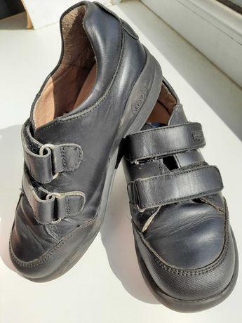 Шкіряні туфлі на липучках biomecanics 32р