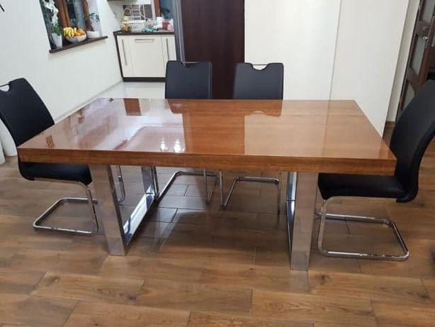 Stół z drewna dębowego na nodze z metalowego profilu
