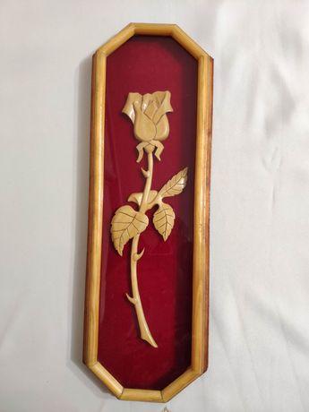 Картина роза из дерева