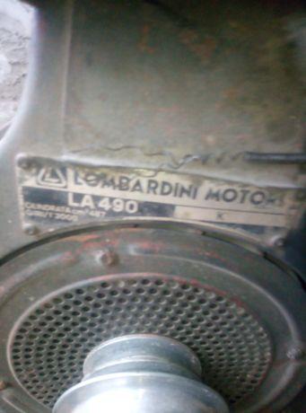 Продам двигатель ломбардини ла 490.