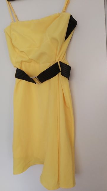 Karen Millen-sukienka