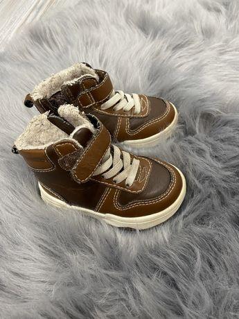 Утеплені дитячі кросівки H&M