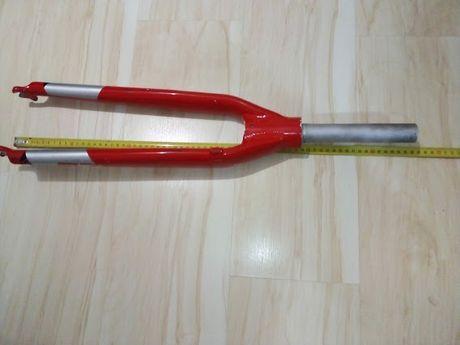 ŁADNY szeroki widelec szosowy szosa czerwony 28