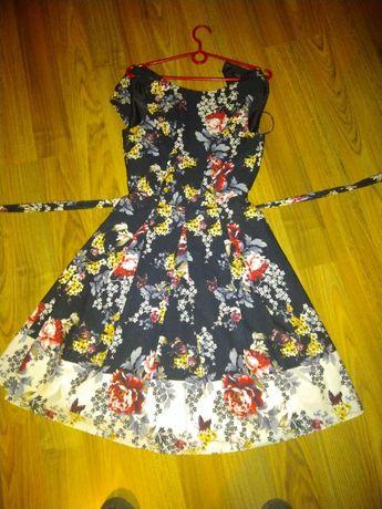 Sukienka zwiewna 36