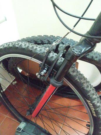 """Bicicleta BTT Preta 26"""" APROVEITE"""