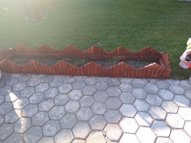 Doniczka drewniana ogrodowa