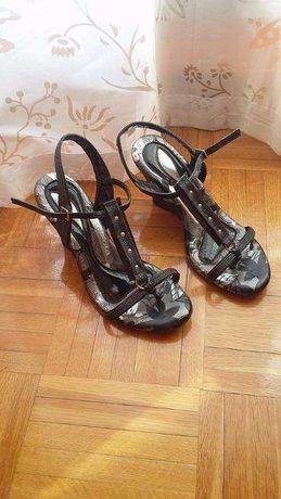 Sandálias de salto Dakota