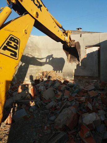 Limpeza de terrenos, demolições, construção civil