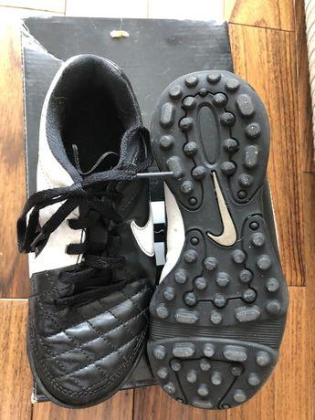 Кроссовки бутсы Nike футбольные Детские 29-30 размер на 5-7 лет