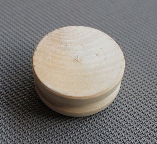 Base redonda em madeira para figuras de modelismo