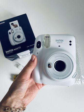 Nowy aparat Instax mini 11 ice white