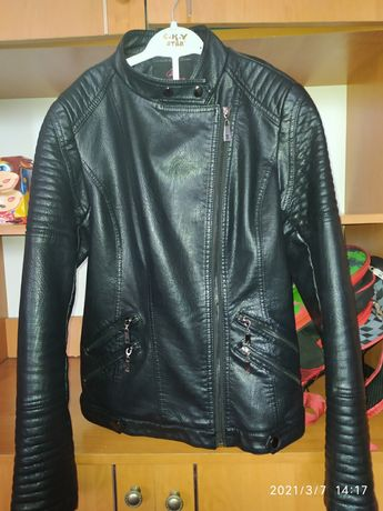 Куртка кожзам черная