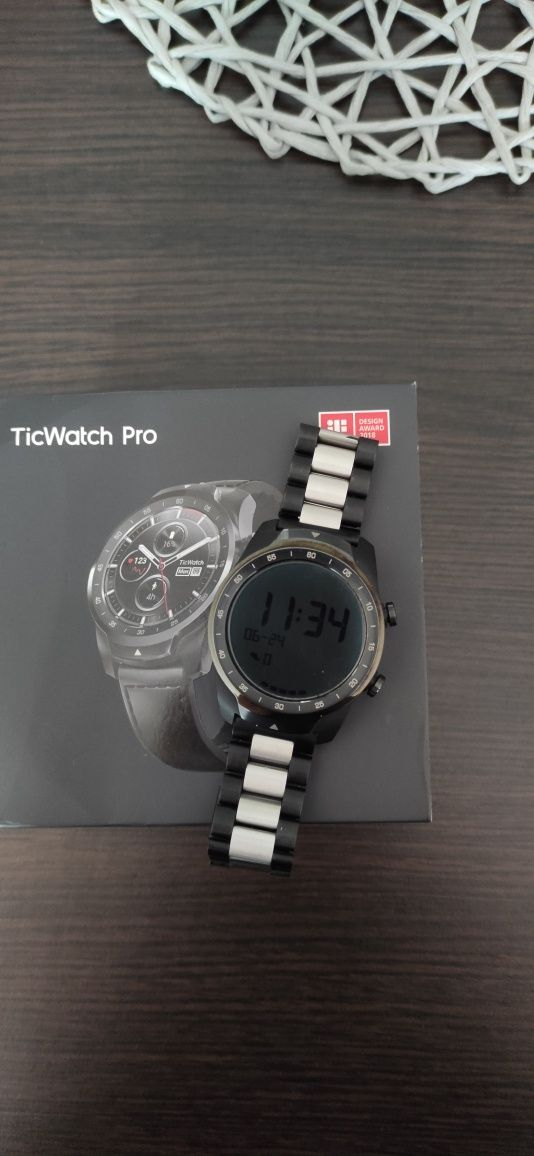 smartwatch Ticwatch pro jak nowy