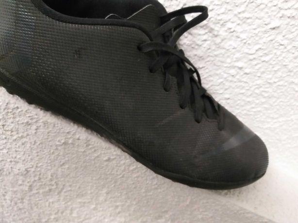 Buty do gry w piłkę nożną