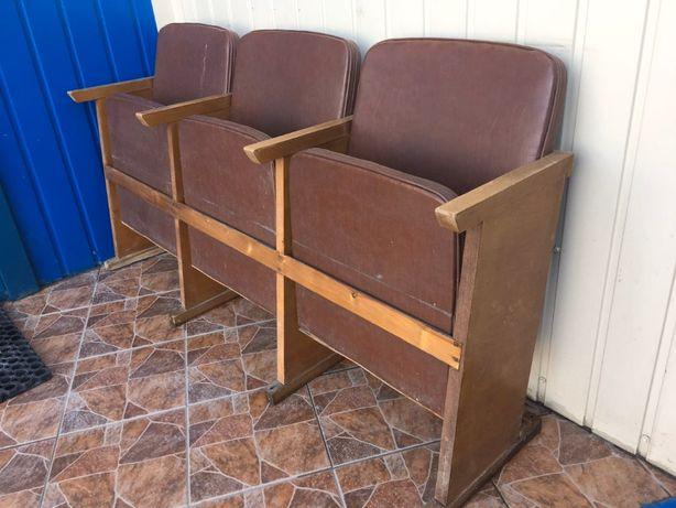 Терміново продаємо крісла