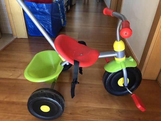 Triciclo criança