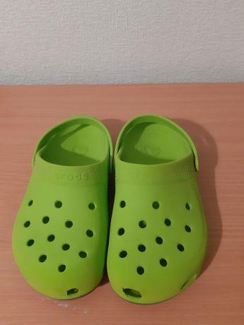Фирменные Crocs для мальчика