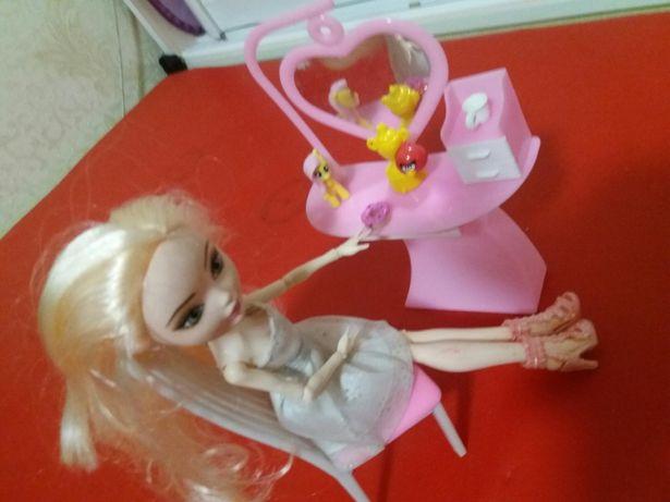 Новая куколка+ столик для Вашей малышки.