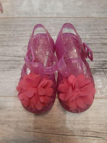 Sandały dziewczęce uk 5