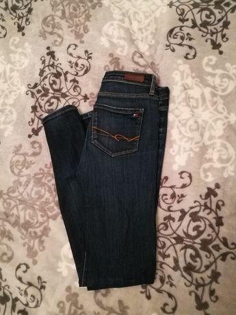 Tommy Hilfiger jeansy rurki niebieski ciemny stan idealny klasyk