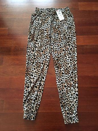 Spodnie lekkie, luźne z kieszeniami Reserved nowe