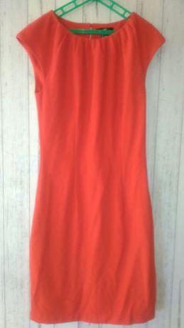 Czerwona sukienka /prosta
