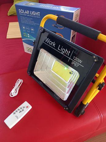 Lampa led robocz solarna  i  akumulatorowa ladowana 230v