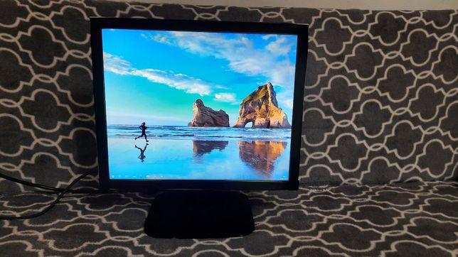 Monitor LG 19-cali (używany w dobrym stanie)