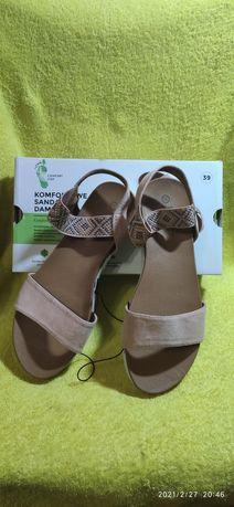 Komfortowe sandały damskie