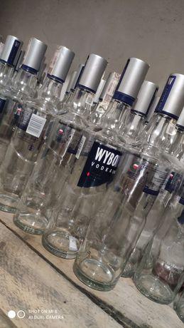Puste butelki po wódce wyborowa 0,5l
