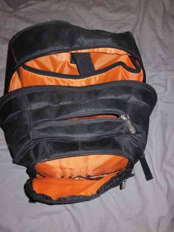 """Sprzedam plecak na laptopa 15,6"""""""