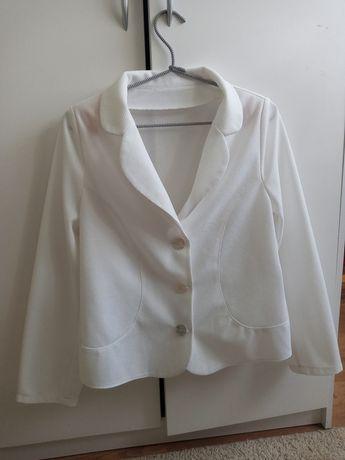 Biały żakiet/marynarka damska zapinana na guziki rozmiar M/L
