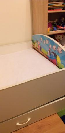Łóżeczko dziecięce z szufladą i materacem