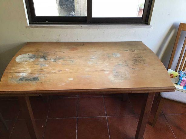 mesa de jantar extensível de madeira