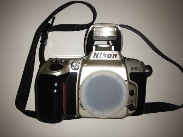Japoński aparat fotograficzny Nikon F60 Panorama z datownikiem 750zł