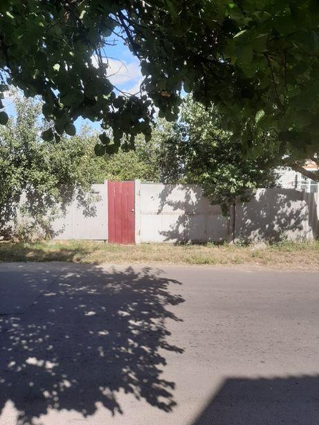 Продам участок с ветхим домом на жилой улице в Хорошево!