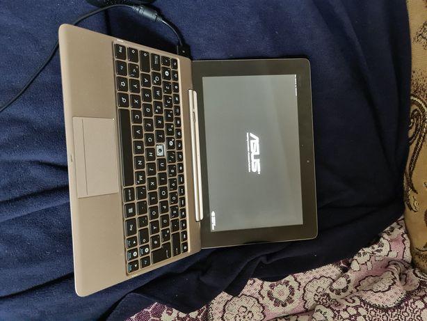 Asus 2 в одному. Планшет та ноутбук