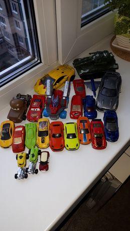 Продам набор машинок для мальчика