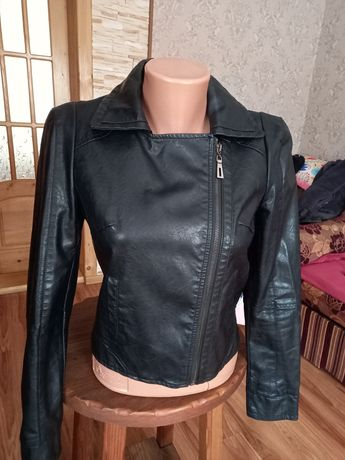 Куртка ,косуха (екошкіра)
