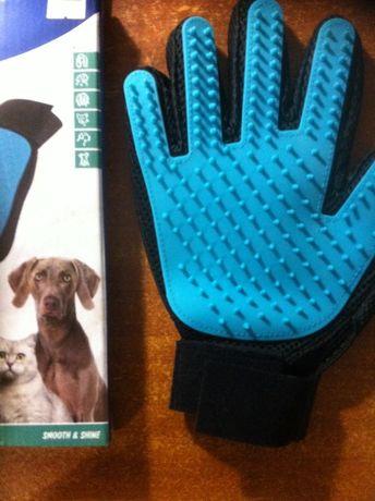 Перчатка массажная для кошек, собак. TRIXIE.