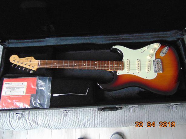 Fender Japan Hybrid 60s Stratocaster-3 Color Sunburst.