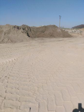 Żwir piasek kamień ziemia ogrodowa mały samochód