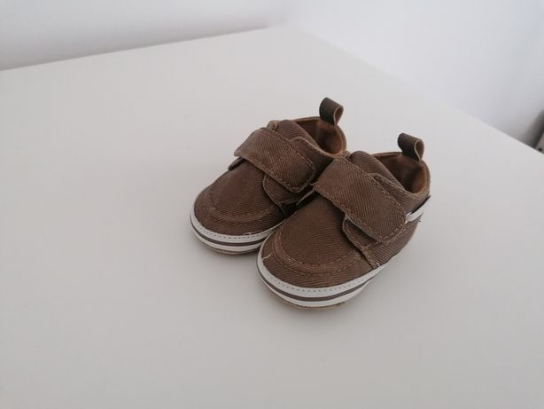 Sapatos zippy de bebe