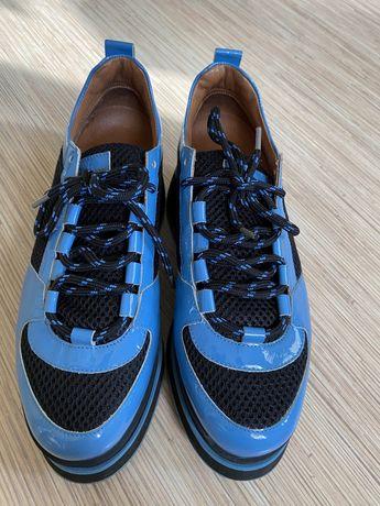 Ganni skorzane buty rozm 38